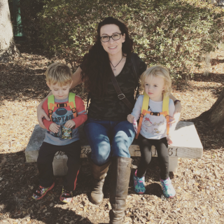 KB, Twin Mom