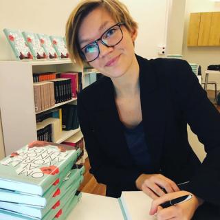 Sanna M // lärare - normkritiker - lesbisk svenssonmamma