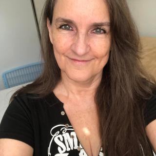 Linda J Wolff