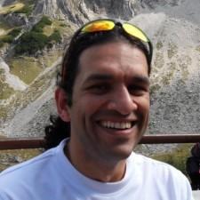 Avatar for oz123 from gravatar.com