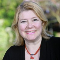 Lesley Mccall