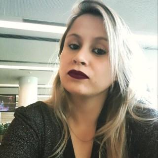 Samila Carvalho