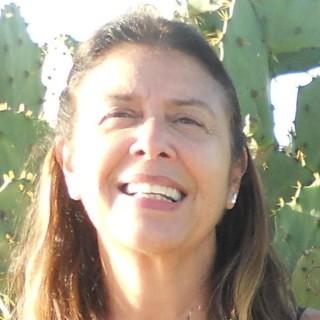 Monica T Maia