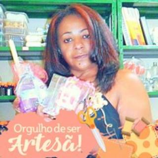 Artesã Lúcia Motta