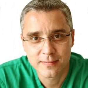 Dr. Luciano Moreira