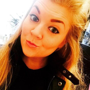 Elle Blonde