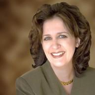 Lisa J MacDonald