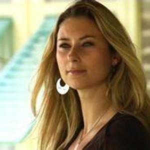 Profile picture for Julia Dimon
