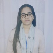 Photo of Zainab Shafiq