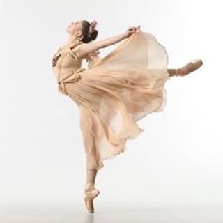 DanceStrong