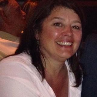 Daphne MacNeil