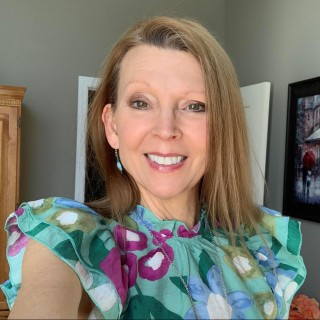 Sandra Shields, Food and Wellness Blogger, Health Coach, Healthy Living, Fitness Enthusiast, Dog Lover
