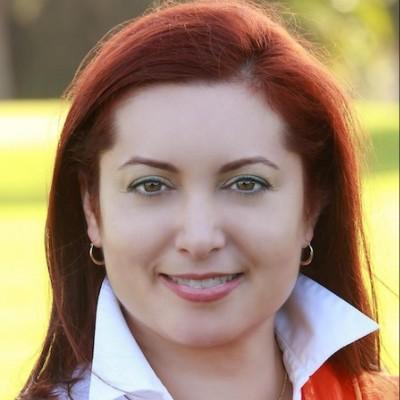 Veronica Villafañe