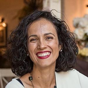 Elena De Monitos y Risas