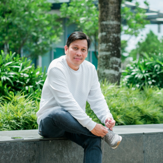 BEST LIFE QATAR by Zeke Tunay