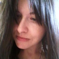 avatar for Eloïse Gloria