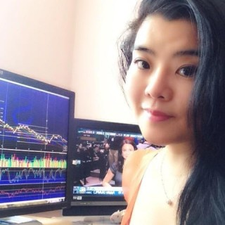 Angela Zhou @z8angela on Twitter