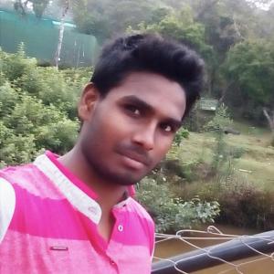 Dhinesh V
