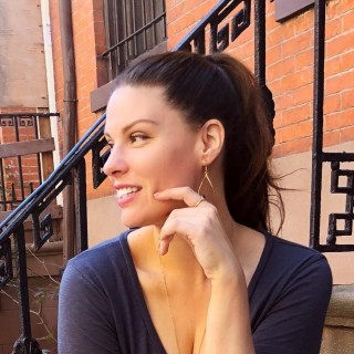 Amber Alagich