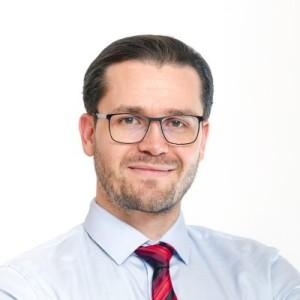 dr. Sziráczki István