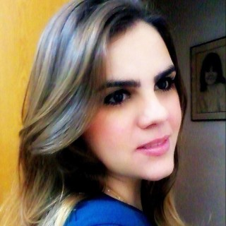 Alícia Almeida