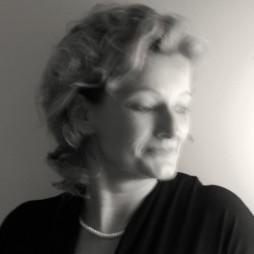 avatar for Véronique Hansi