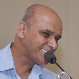 Dr Dinesh kapur
