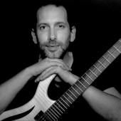 info@gibus-guitars.com
