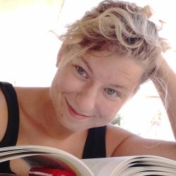 L'Amica Geniale di Elena Ferrante: un classico moderno 1