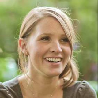 Bethany Auck | SlideRabbit