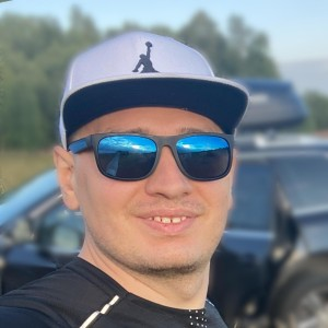 Profile picture for Arseniy Potapov