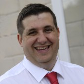 Darren Matthews