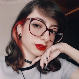 Letícia Alvarenga