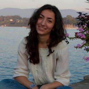 Нана Акопова